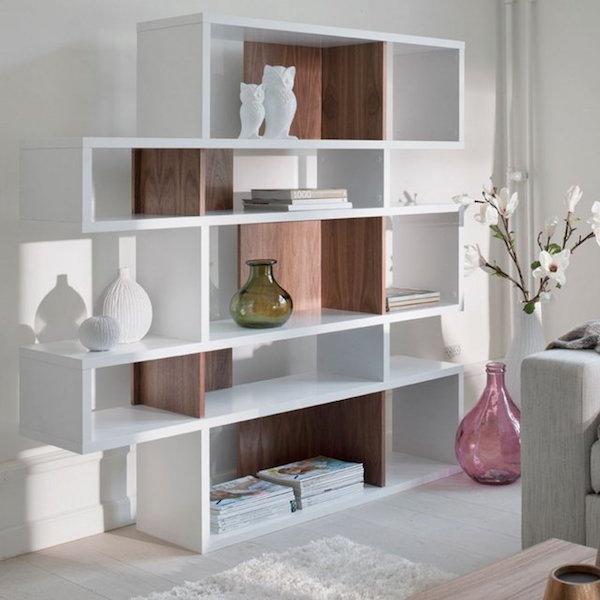 Wit met hout gecombineerde boekenkast